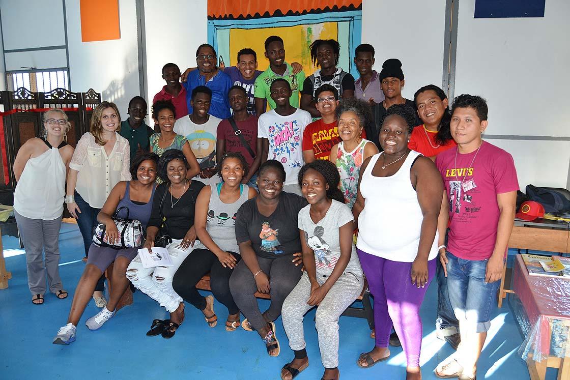Élèves et équipe dirigeante du TEK Guyane - Kokolampoe